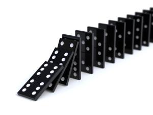 dominos-falling